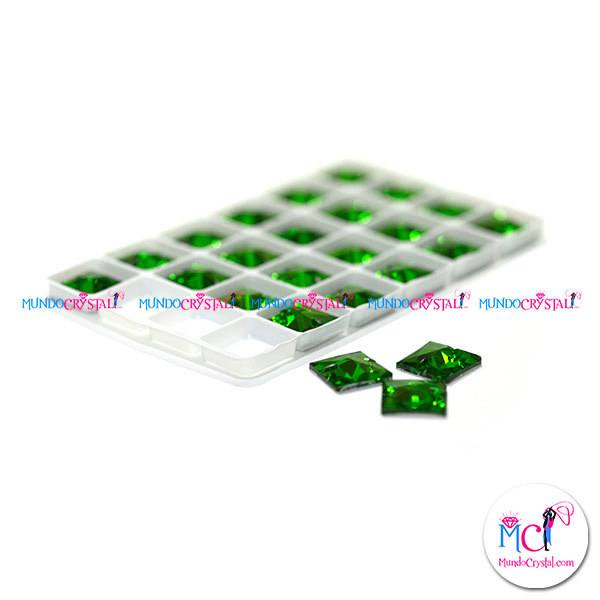 square-sew-on-green
