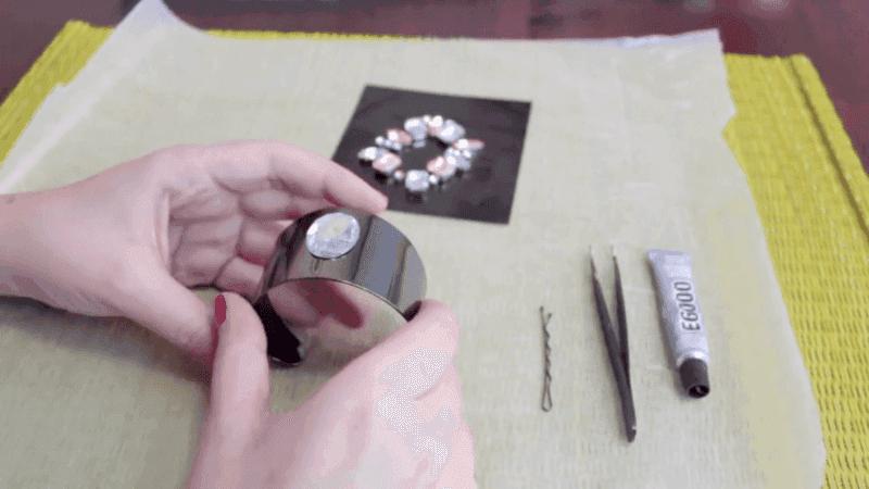 brazalete con piedras